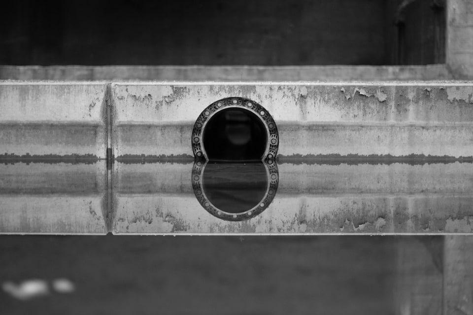 Verstopte afvoer voorkomen met ontstoppingsmiddelen loodgieter